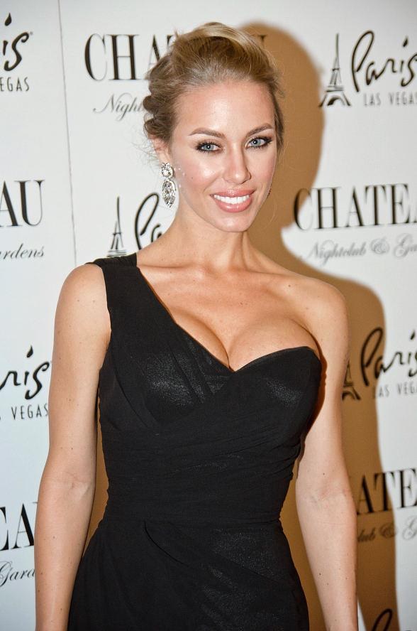 Nicole Aniston at Chateau Nightclub