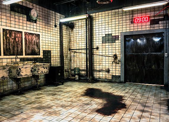 "The iconic SAW bathroom at the ""Official SAW Escape Experience"" in Las Vegas"
