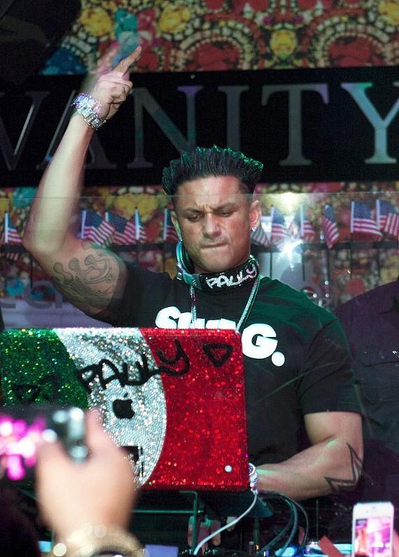 DJ Pauly D kicks off music residency at Vanity Nightclub