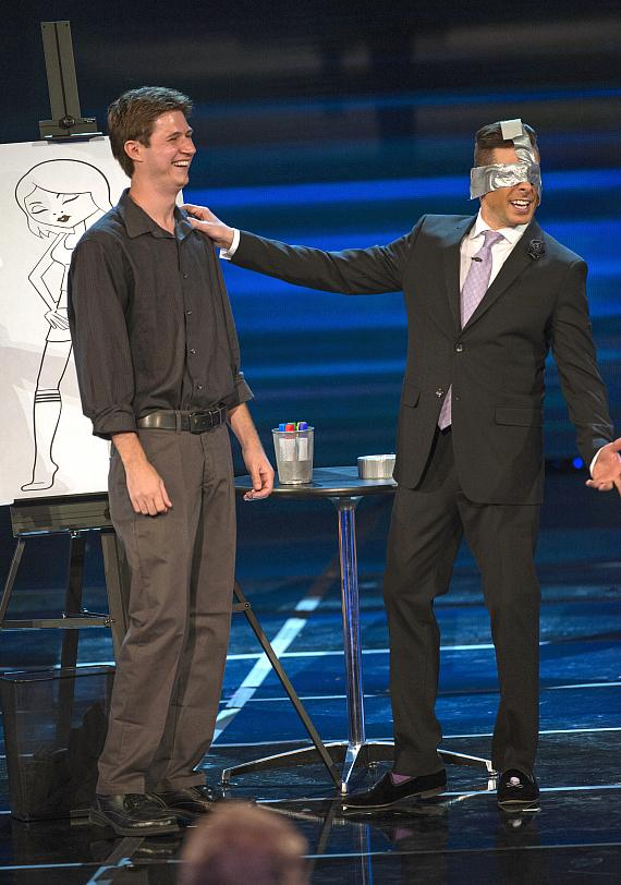 "Las Vegas comedy magician Mike Hammer performs on the July 13 episode of CW's ""Penn and Teller: Fool Us"""