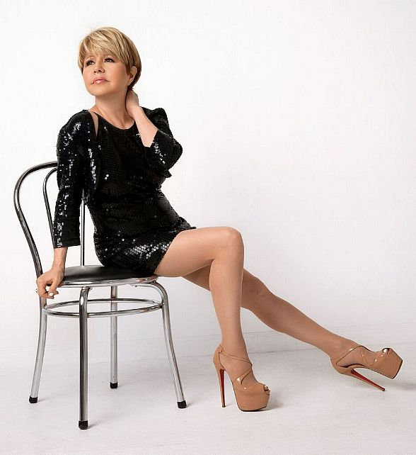 """Bling"" in the New Year with Pia Zadora at Piero's Italian Cuisine in Las Vegas"