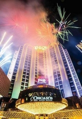 Plaza Hotel & Casino to Host 4th of July Celebration on Rooftop Pool with Drink Specials, Buffet, Live Band and Fireworks