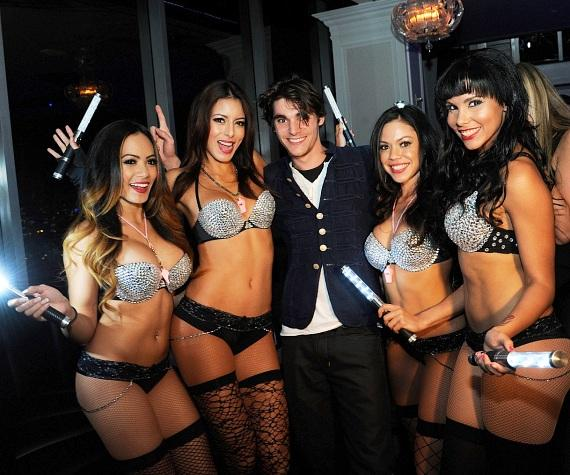 Ghostbar's gorgeous go-go dancers show birthday boy, RJ Mitte, some love