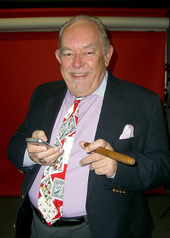 'On Air with Robert & CC' to Interview Celebrity Journalist Robin Leach at PBR Rock Bar April 19