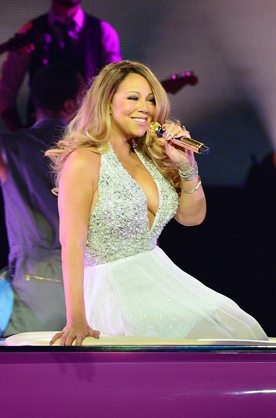 "Mariah Carey Debuts New Show ""Mariah #1 to Infinity"" to Sold Out Crowd at The Colosseum at Caesars Palace"