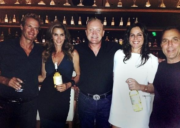 Cindy Crawford Dines at Crush Eat, Drink, Love at MGM Grand in Las Vegas