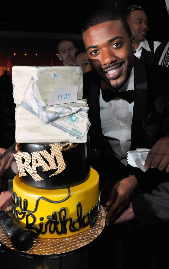 Ray J Celebrates 30th Birthday With Sister Brandy Snoop Dogg And
