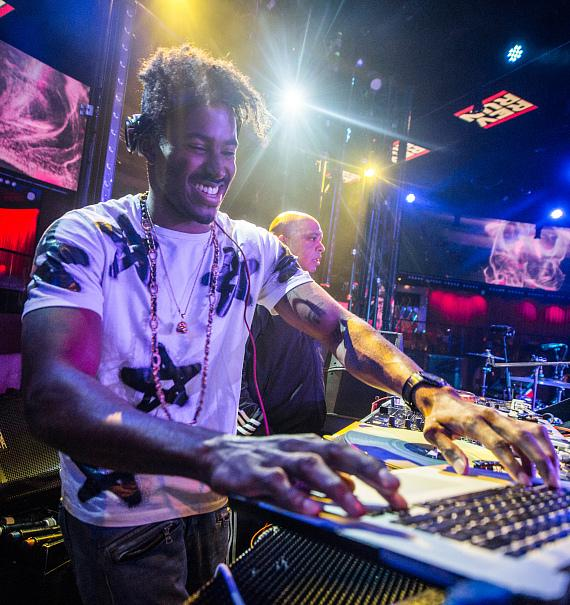 Rev Run and DJ Ruckus Make Drai's Nightclub Debut