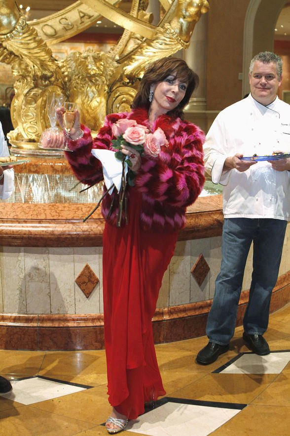 Rita Rudner Welcomed to Her New Home at The Venetian in Fabulous Style