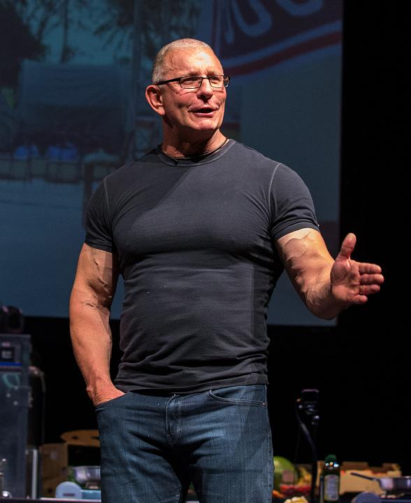 Tropicana Las Vegas' Newest Chef Robert Irvine Announces Upcoming Restaurant Name  & Concept at 'Robert Irvine Live'