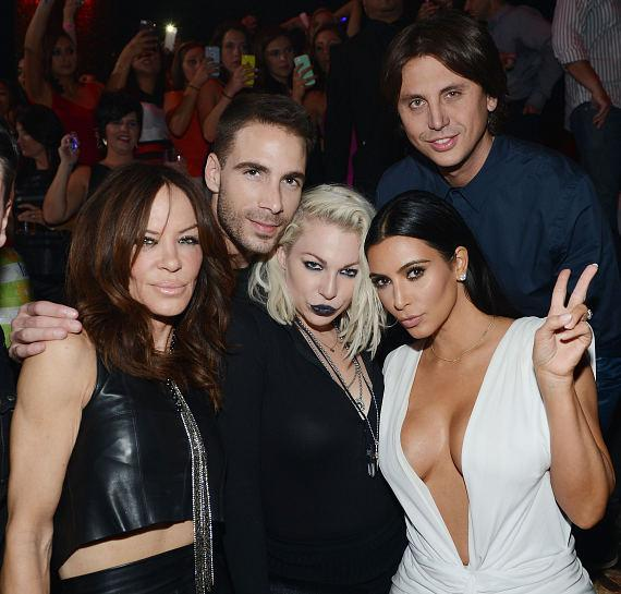 Robin Antin, Simon Huck, Joyce Bionelli, Kim Kardashian West and Jonathan Cheban celebrate Kim's birthday at TAO Nightclub