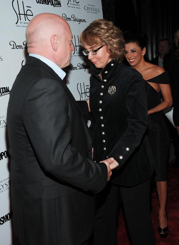 """Mark Kelly and former Congresswoman Gabrielle """"Gabby"""" Giffords arrive on red carpet"""