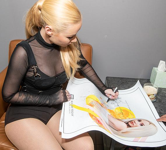 Iggy Azalea signs autographs at the Sayers Club at SLS Las Vegas