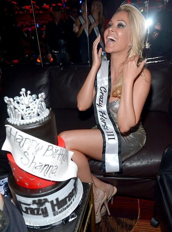 Shanna Moakler with Crazy Horse III sash and cake