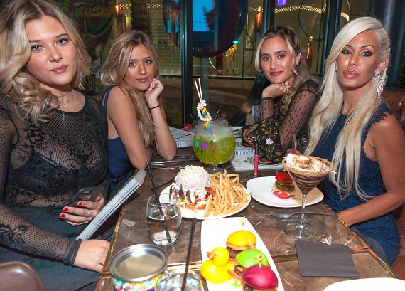 Shauna Sands and daughters enjoy dinner at Sugar Factory Las Vegas