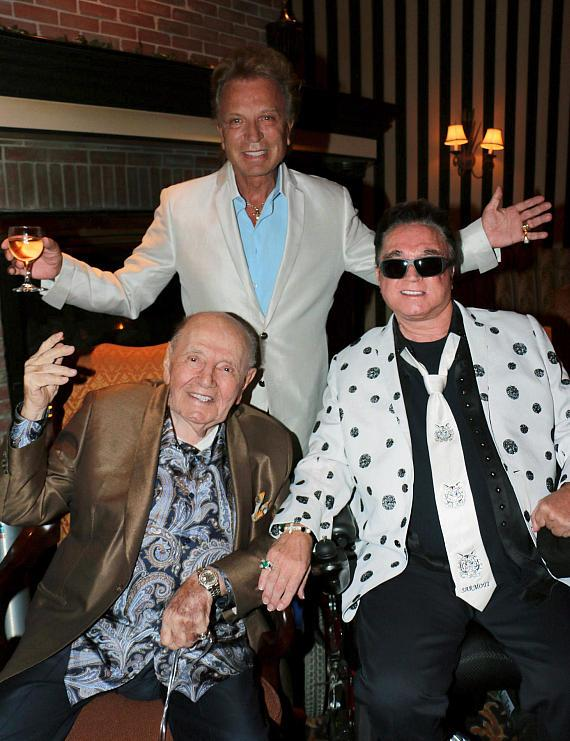 Circus impressario and magician Tihany with Siegfried and Roy