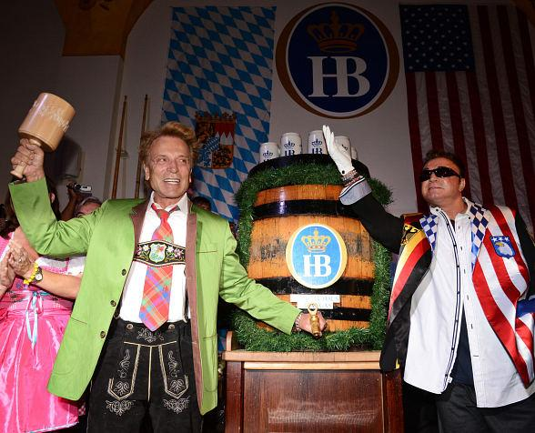 Hofbräuhaus Las Vegas taps Magic into Oktoberfest with Siegfried & Roy September 18
