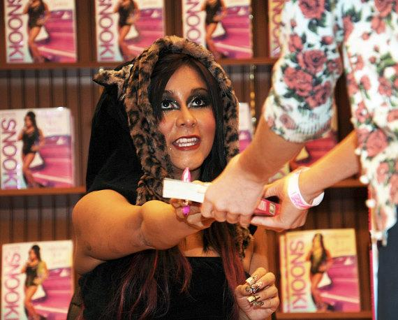 "Nicole ""Snooki"" Polizzi signs new book at Barnes & Noble in Las Vegas"