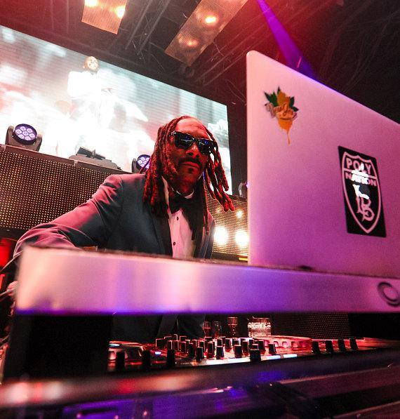 Snoop Dogg performs at TAO on New Year's Eve