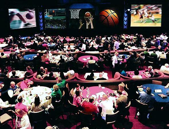 Basketball Madness takes over Stratosphere Theater, March 17–20