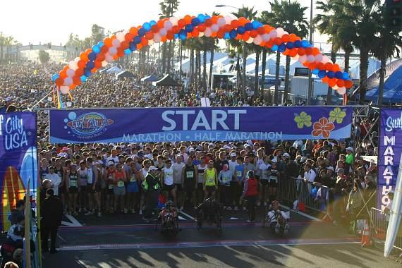 Start Line Crowd at Surf City USA Marathon