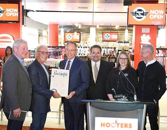 Las Vegas Officials Celebrate the Steak 'n Shake Grand Opening at Hooters Casino Hotel with a Ribbon Cutting Ceremony