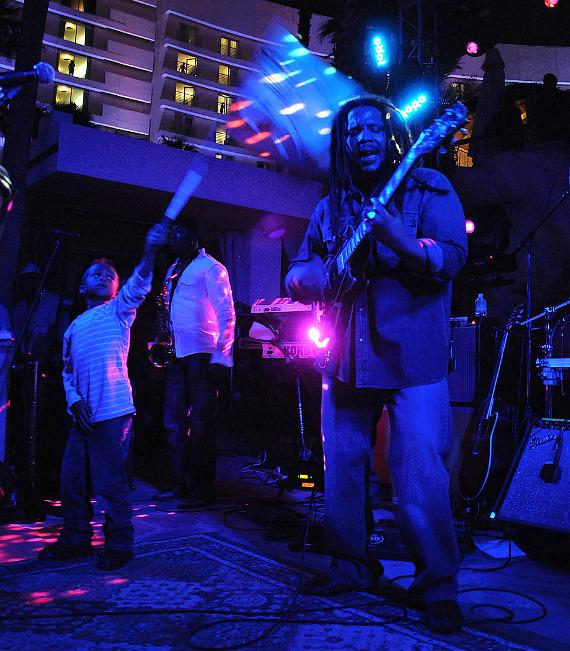 Stephen Marley opens the Hard Rock Beach Club in Las Vegas
