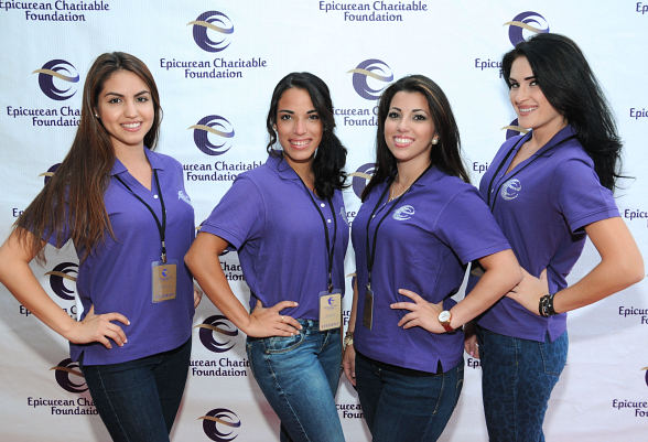 ECF students pose at M.E.N.U.S. 2012