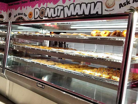 """Tanked"" Reality Star Brett Raymer Opens Fourth Donut Mania Shop in Las Vegas with Celebrity Donut Olympics March 4"