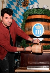 First Weekend of Oktoberfest at Hofbräuhaus Las Vegas Features Frankie Moreno Performance and Keg Tapping