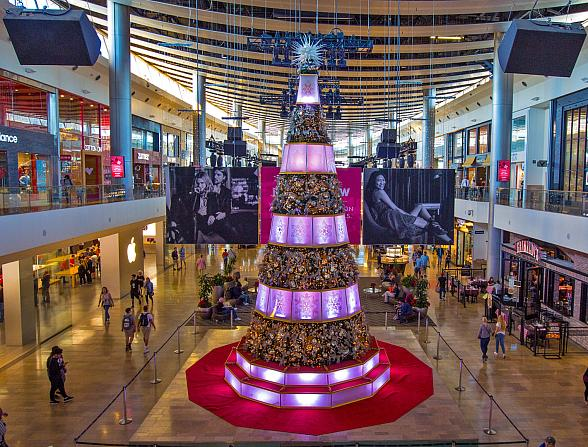 Fashion Show Las Vegas Brings Joy to the Holiday Season with a Round-Up of Family-Friendly Experiences