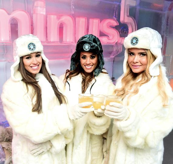 """Minus5 Ice Bar Honors Top Rank Knockout Girls with signature """"Knockout Punch"""" cocktail"""
