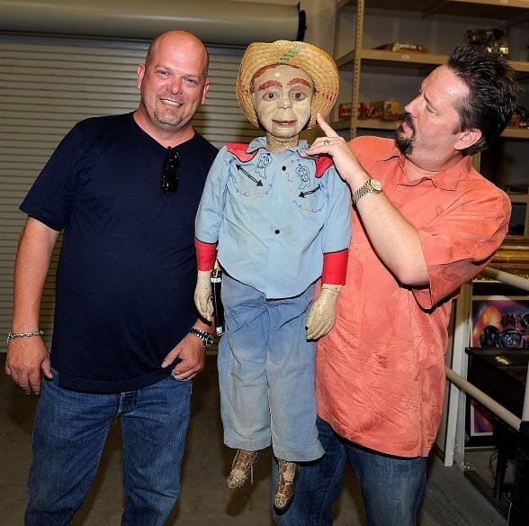 Terry Fator checks out vintage puppets with Pawn Stars' Rick Harrison