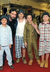 """The Big Bang Theory's"" Johnny Galecki visits The Beatles LOVE by Cirque du Soleil"