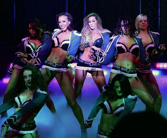 FANTASY Ladies Introduce Three New Routines to Luxor Show
