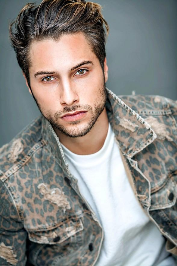"The Venetian Las Vegas Announces the Debut of Tony Award-Winning Actor Kiril Kulish in ""BAZ - A Musical Mash-Up"""