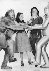 """Henderson Pavilion to Screen Oscar-Winning Movie """"The Wizard of Oz"""" – Henderson Symphony Orchestra to Perform Film's Original Musical Score"""