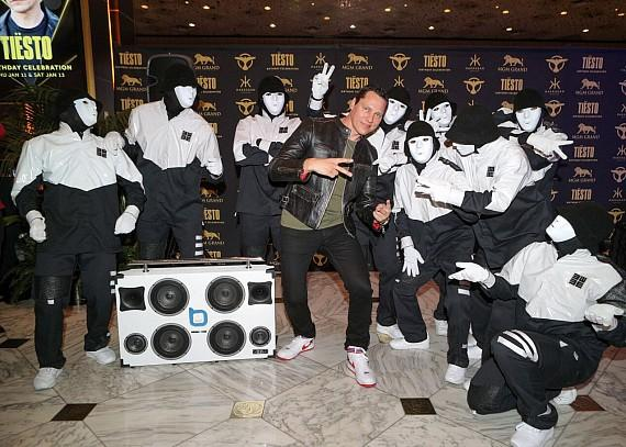 Tiesto and Jabbawockeez at Hakkasan