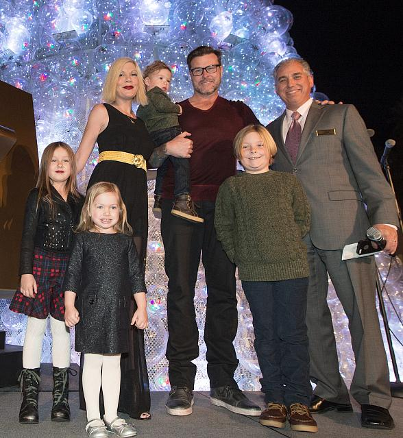 Tori Spelling, Dean McDermott and Family join Human Nature to Help The Venetian Las Vegas Light Up the Christmas Tree