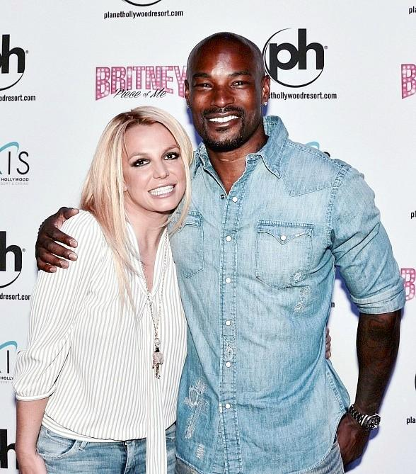 Super model chippendales headliner tyson beckford at britney super model chippendales headliner tyson beckford at britney piece of me at planet hollywood resort m4hsunfo