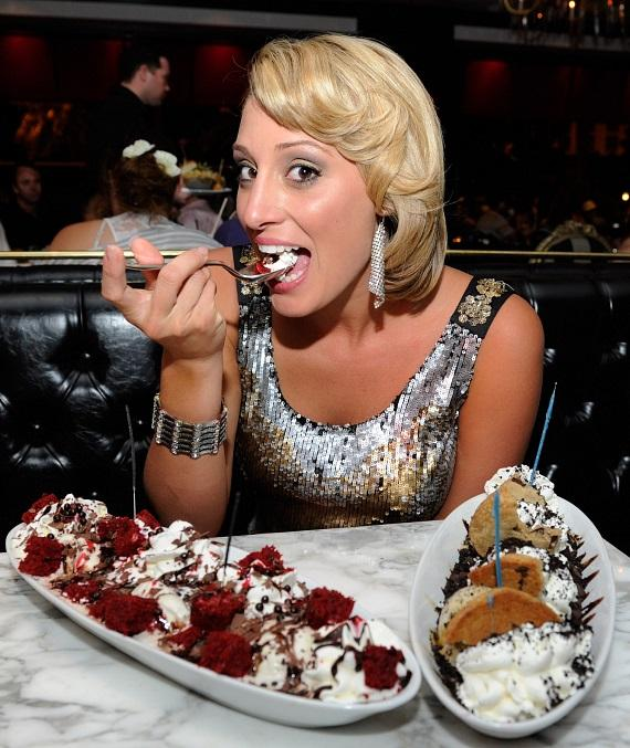 """The Bachelor"" winner Vienna Girardi celebrates her 25th birthday at Sugar Factory American Brasserie"