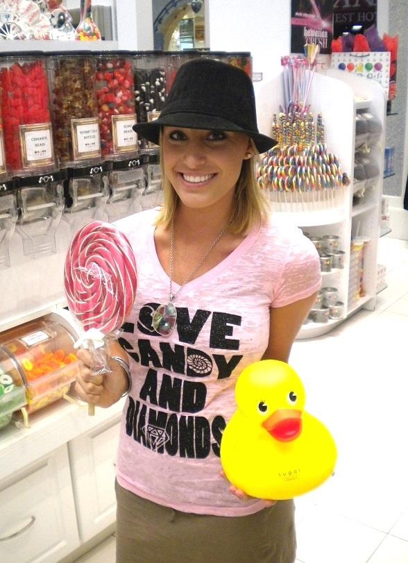 """The Bachelor"" Winner Vienna Girardi at Sugar Factory in Las Vegas"