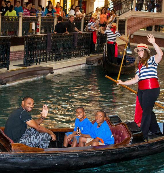 Willie Green Rides Gondola with kids from Jump For Joy Foundation