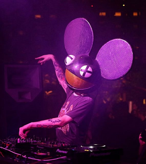 deadmau5  kat von d  enrique iglesias  calvin harris at xs nightclub
