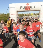 "More Than 200 Kids Test Their ""IRONMAN"" Skills at UnitedHealthcare IRONKIDS Las Vegas Fun Run"