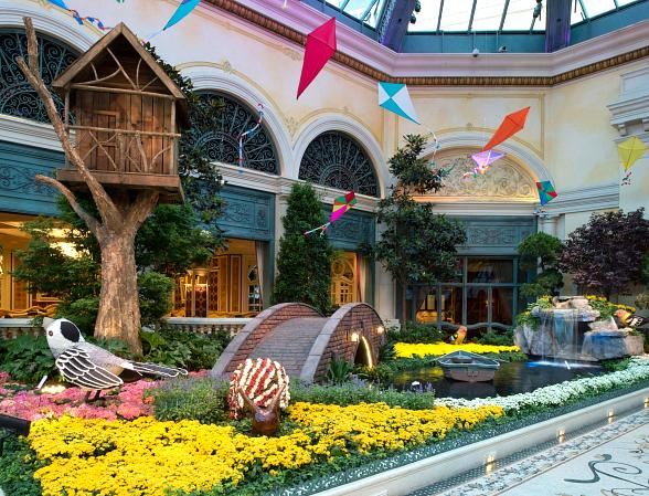Summer Arrives Early at Bellagio's Conservatory & Botanical Gardens