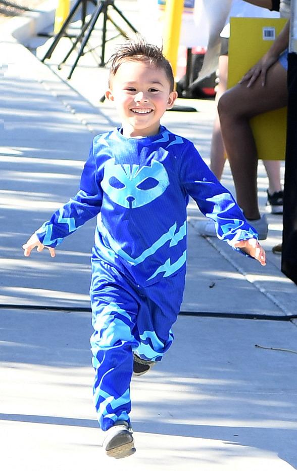 "Be a Superhero for Kids Battling Cancer: ""Candlelighters Superhero 5K"" on Sept. 14 at Mountain's Edge"