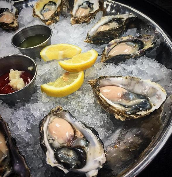 Emeril 39 s new orleans fish house introduces new mardi gras for Emerils fish house