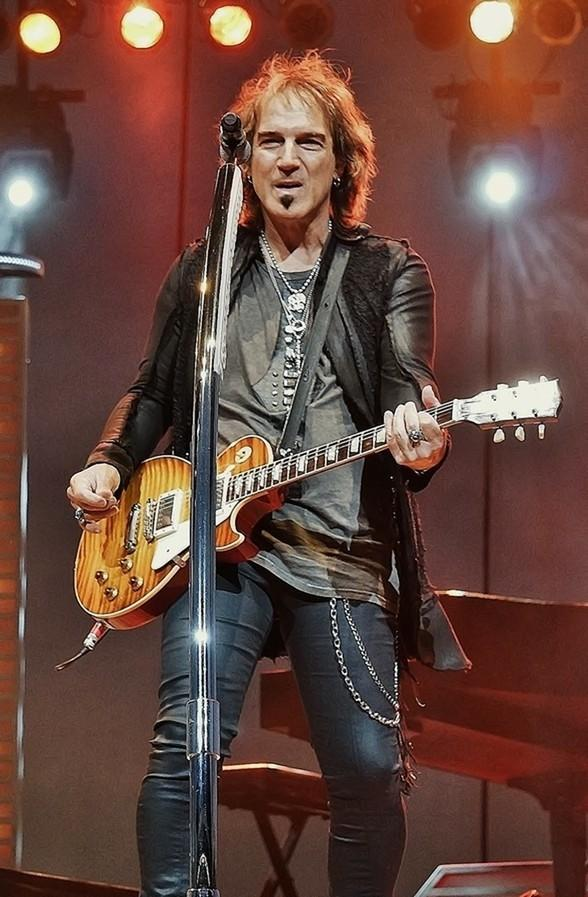 """""""Raiding the Rock Vault"""" Welcomes REO Speedwagon Guitarist Dave Amato to the Stage Feb. 3-22"""