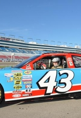 Richard Petty Driving Experience Celebrates 20 Year Anniversary with Breast Cancer Survivor Ride